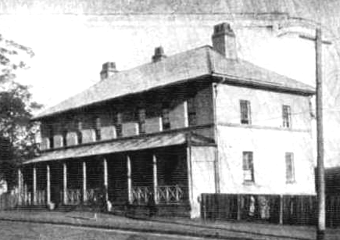 ACOACHING INN OF THE EARLY DAYS AT CAMPBELLTOWN NSW - The Australasian (Melbourne, Victoria), Saturday 7 August 1926, page 76.