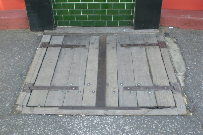 pub trap door