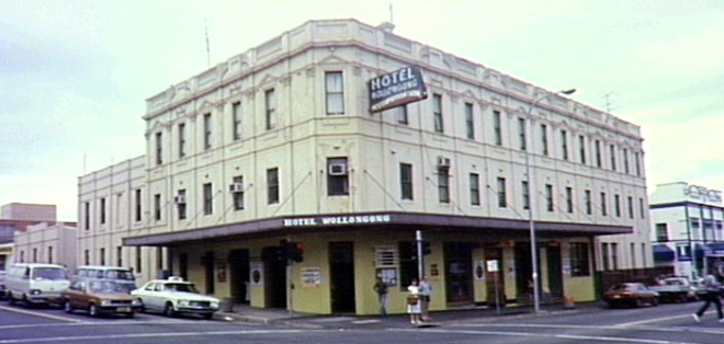 The Wollongong Hotel, at the corner of Kembla and Crown Streets Wollongong shortly before it was demolished in 1980.