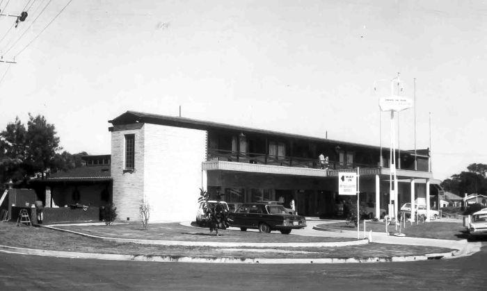 Lake Shore Motor Inn Budgewoi 1970 small